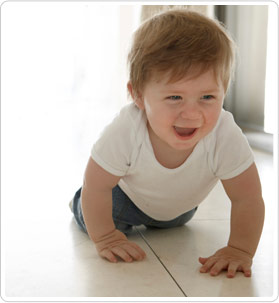Help your 8-month-old baby develop a strong mind and body