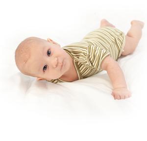 2 aylık bebeğin gelişiminin dönüm noktaları