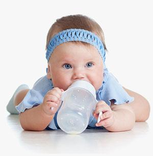 8 aylık bebeğinizin diyetine yeni beslenme seçeneklerini nasıl eklersiniz