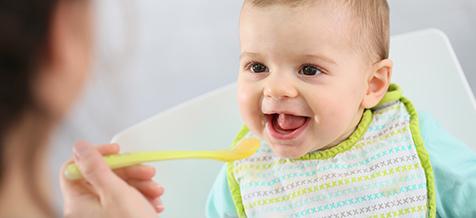 Bebeğinizin dengeli beslenmesi sizin yönlendirmeniz ile başlar