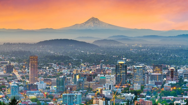 Portland, Oregon, USA, downtown skyline with Mt Hood at dawn
