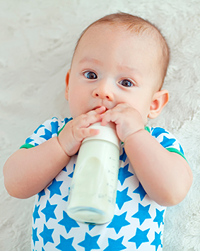 the-baby-eats-milk