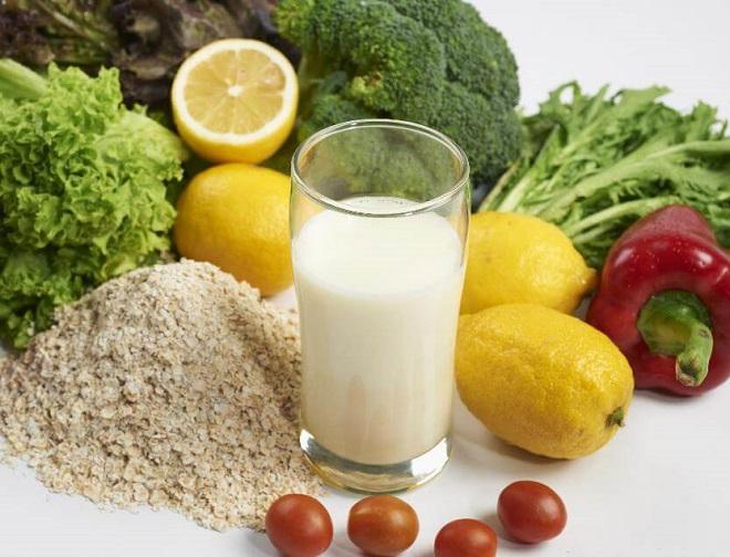 Ngoài chế độ dinh dưỡng hợp lý, uống 2 ly sữa mỗi ngày là giải pháp dinh dưỡng hiệu quả cho người cao tuổi