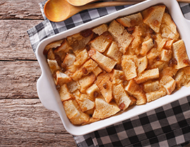 Enjoy this whole wheat bread pudding recipe with Vanilla Glucerna®.