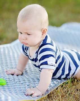 callout-six-month-old-baby-play-with-bright-toy