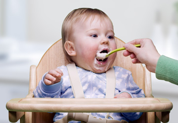 baby_feeding_weaning_solid_food